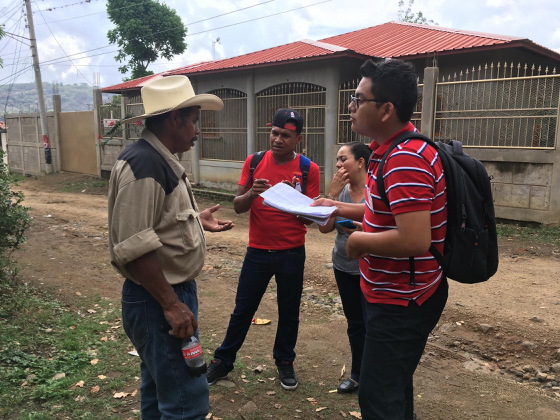 Nicaraguan students talk to citizens during the KCAD-led workshop