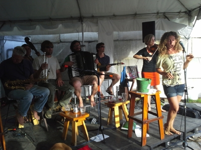 Coq Au Vin performs at the Cisco Brewery
