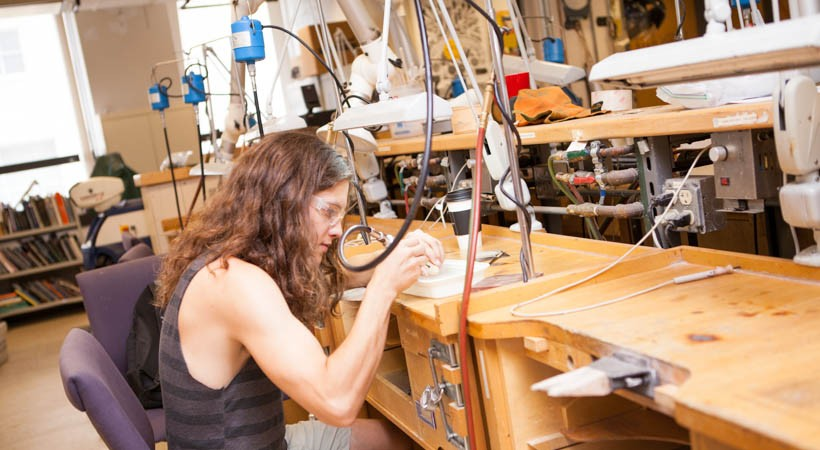 Metals And Jewelry Studio A Kendall College Of Art And