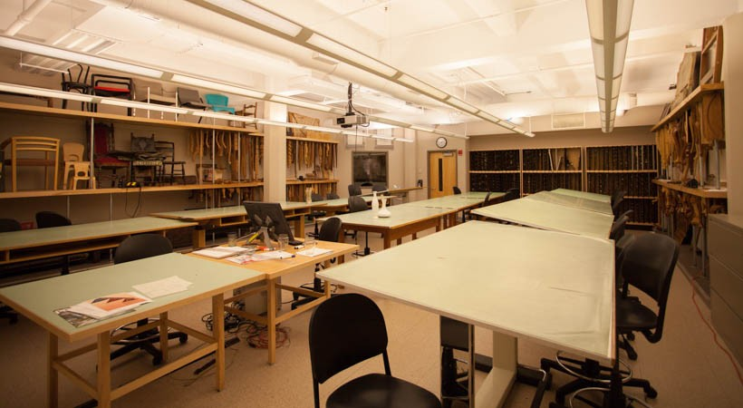 Furniture design classroom 17f 505 kendall college of for Art room decoration school